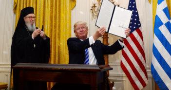 """Τραμπ στην εκδήλωση για την 25η Μαρτίου: """"ΗΠΑ και Ελλάδα θα αντιμετωπίσουν μαζί τις προκλήσεις"""" [video]"""
