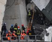 Δεκάδες οι νεκροί από την κατάρρευση της γέφυρας στη Γένοβα (video & εικόνες)