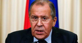 Λαβρόφ: Η Ρωσία δεν υποστηρίζει καμία από τις επιλογές στο δημοψήφισμα για τη συμφωνία των Πρεσπών
