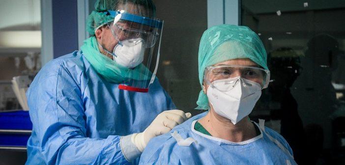 Συγκλονιστική μαρτυρία από νοσηλεύτρια στο Σωτηρία: Όσοι μπαίνουν στις ΜΕΘ, δεν βγαίνουν (vid)