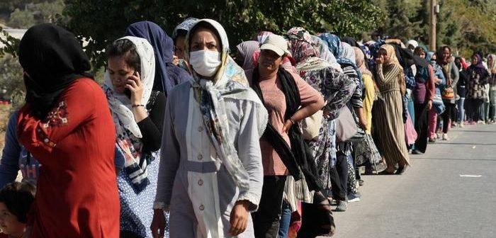 DW: Η αποτυχία της ευρωπαϊκής πολιτικής στη Λέσβο- Δύσκολη έως ανέφικτη η μετακίνηση 12.000 μεταναστών και προσφύγων
