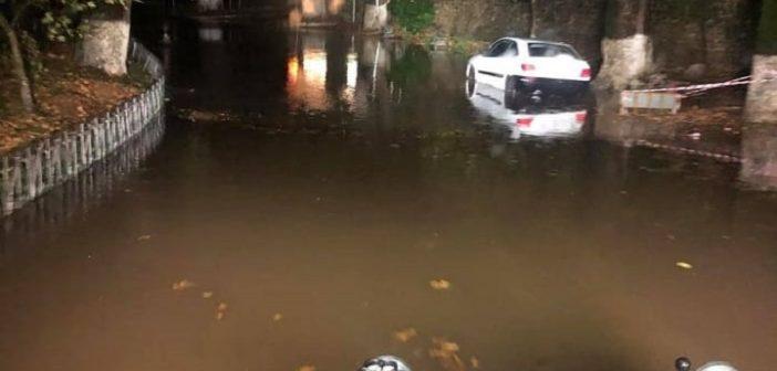 Νέο κύμα κακοκαιρίας: Πλημμύρισαν δρόμοι σε Γιάννενα και Αγρίνιο – Ξεριζώθηκαν δέντρα στην Κέρκυρα