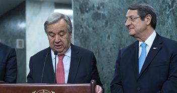 """Η παγίδα της διχοτόμησης στο Κυπριακό στη σκιά των αποκαλύψεων για τις """"χρυσές βίζες""""- """"Ναι"""" Αναστασιάδη στην Πενταμερή του ΓΓ του ΟΗΕ"""