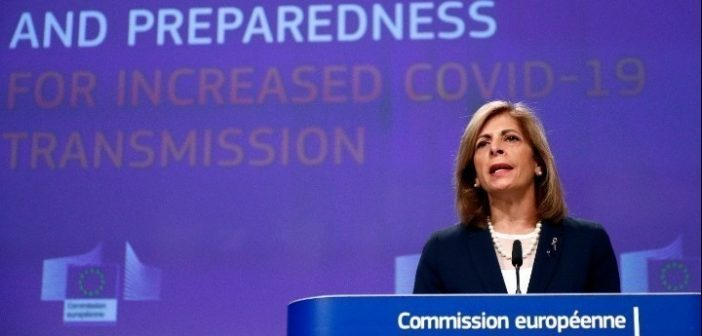 """""""Κεραυνοί"""" Ε.Ε για ΑstraZeneca: Ανεπαρκείς οι εξηγήσεις – Έχουμε τα μέσα να μάθουμε τι συμβαίνει"""