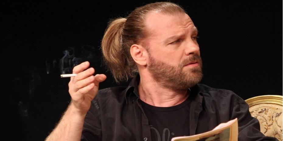 Νέα υπόθεση: Ο ηθοποιός Κώστας Σπυρόπουλος κατηγορείται για βιασμό