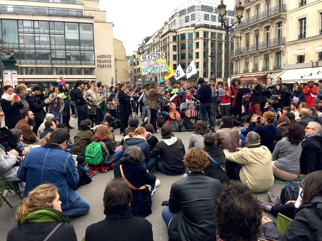 Κινητοποίηση ακτιβιστών κατά της Κλιματικής Κρίσης στο Παρίσι