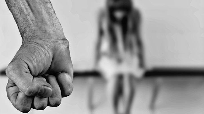 Μαρία Γιαννακάκη/ Να σπάσουμε τη σιωπή για τις γυναικοκτονίες