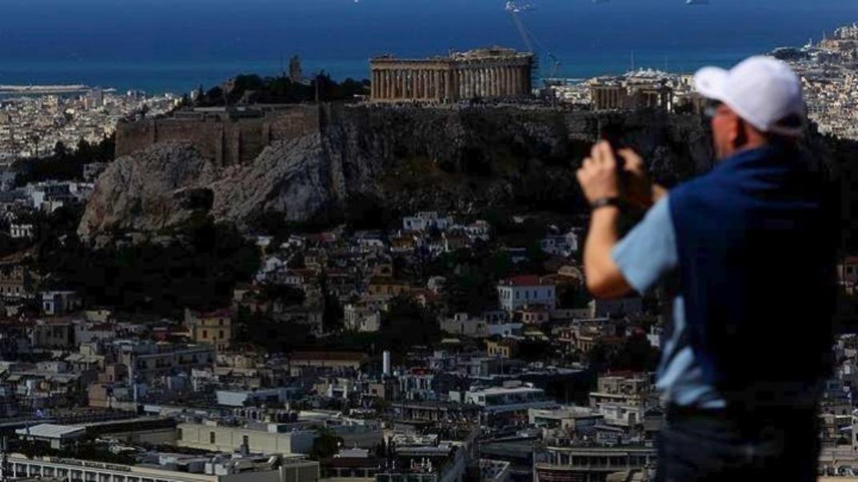 """Τουρισμός: Στις χώρες """"πολύ υψηλού κινδύνου"""" έβαλαν οι Αμερικανοί την Ελλάδα"""