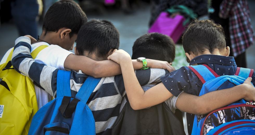 Γιατί η ρατσιστική στοχοποίηση των παιδιών μας προσβάλλει όλους…