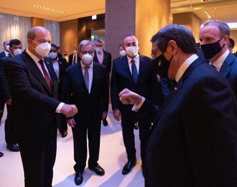 Κυπριακό: Τριμερής συνάντηση Αναστασιάδη-Τατάρ-Γκουτέρες στη Νέα Υόρκη