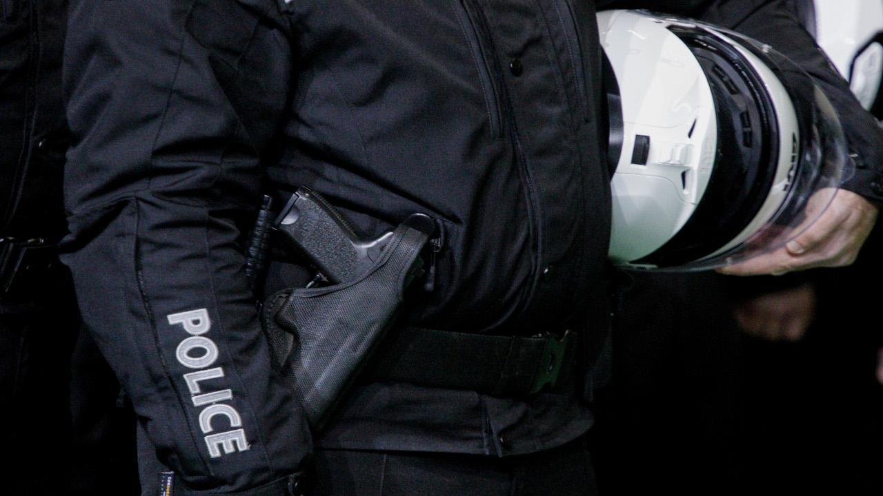 Συνελήφθησαν επτά αστυνομικοί με την κατηγορία της ανθρωποκτονίας για το επεισόδιο στο Πέραμα