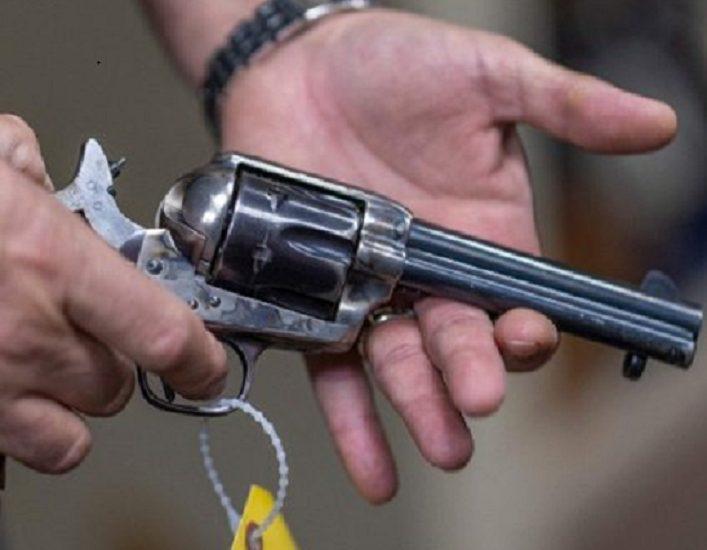Νέα στοιχεία: Είχε πραγματικές σφαίρες το όπλο του Μπάλντουιν