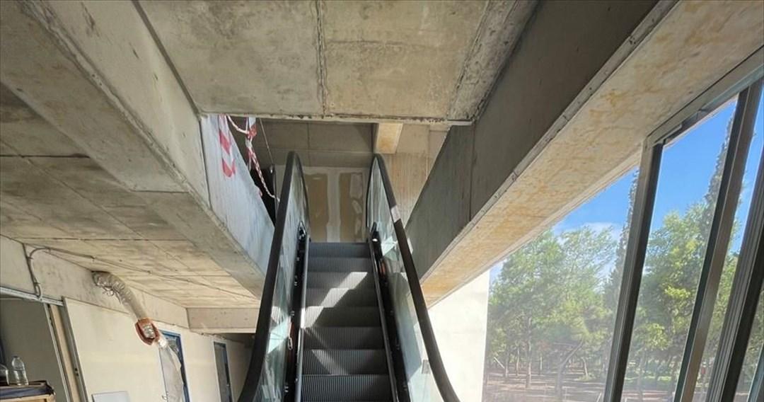 Τοποθετήθηκαν οι κυλιόμενες σκάλες και τα ασανσέρ στην «Αγια-Σοφιά»